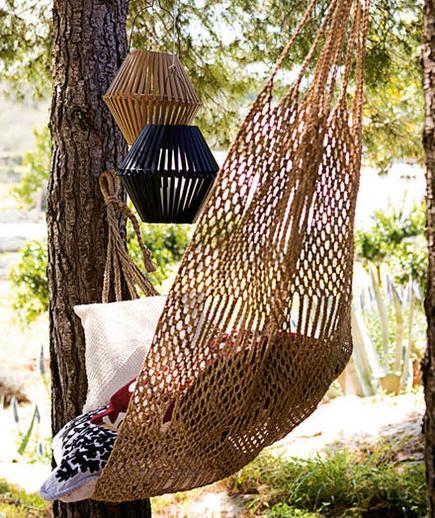 garden-hammock-lantern